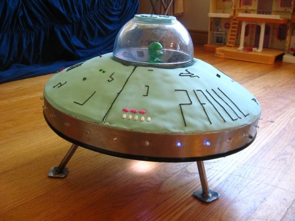 How Much Is It To Ship A Car >> UFO cake